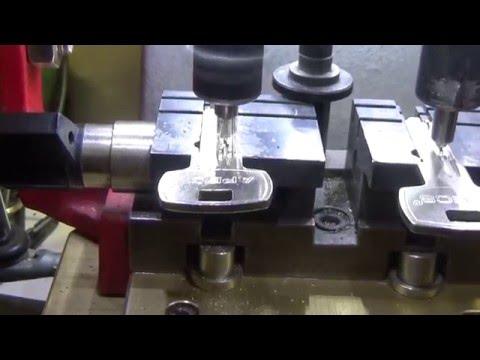 видео: Урок Новичкам. Копирование луночного ключа (перфо) prohorkeys