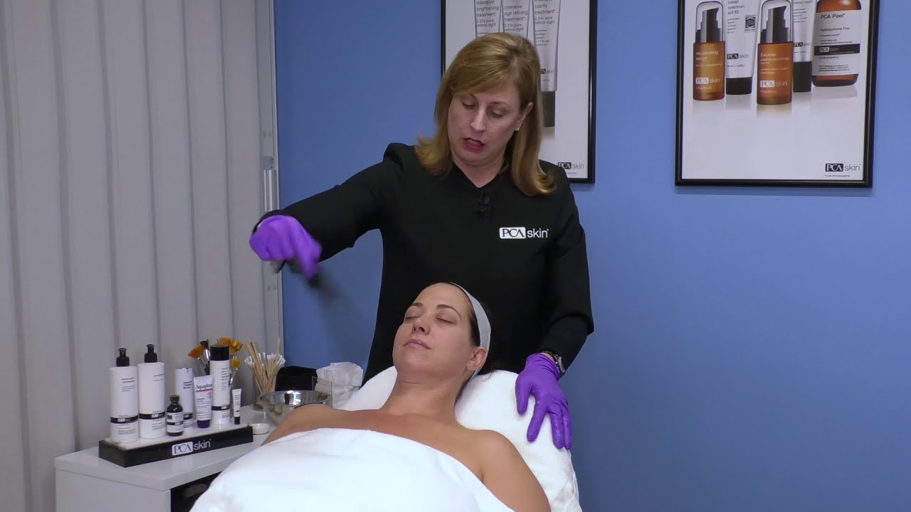 Click to open this video in a pop-up modal: Application Techniques: MD Peel (CCl3) for the Neck & Décolleté