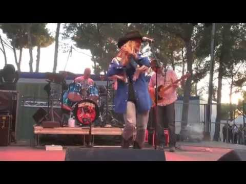 DANNI LEIGH - Honky Tonk Song