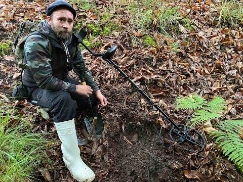 VÍDEO Así encontró Daniel una granada de la Guerra Civil en Cangas de Onís