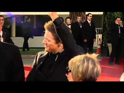 Jeremy Renner Fashion at the Golden Globes 2011