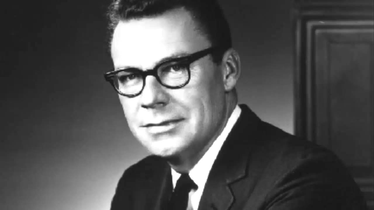 Earl Nightingale - The Strangest Secret In The World with Mark Victor Hansen