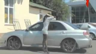 Video Dikira ga ada orang di mobil, cewek ini angkat rok tinggi-tinggi download MP3, 3GP, MP4, WEBM, AVI, FLV Juni 2018