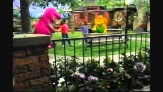 Demi lovato and selena gomez singing 'i love you' on barney. episode 9: come blow your horn! season 7. 0:51 hug. they are so cute!