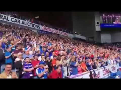 Rangers fans singing Derrys walls