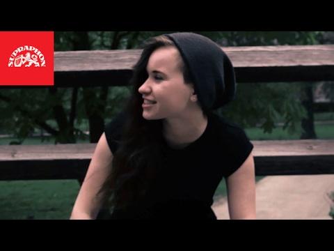 Lola feat. SharkaSs - Hra o city (Akustická verze)
