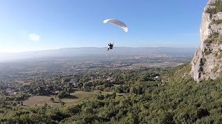ID: 1550402 This incredible footage captures speedflyer pull of a s...