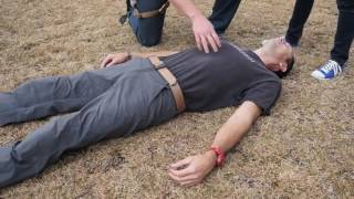 Gambar cover Crisis Application Group: Jay Paisley - Demonstrating the Xtraction Mode Tactical Harness