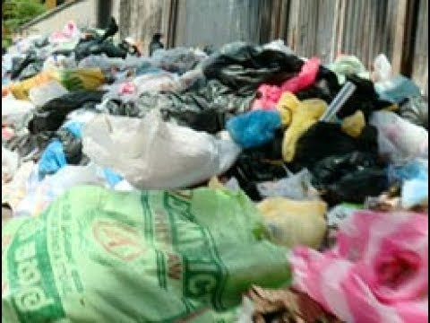 Garbage collecting recommences in Colombo City (English)