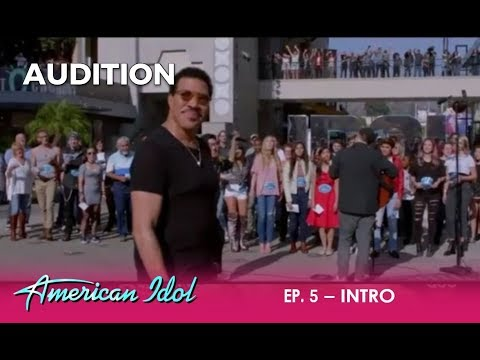 Idol Contestants SURPRISE Lionel Richie With His Iconic