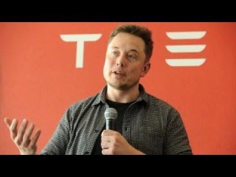 Elon Musk says he'll help fix the Flint water crisis