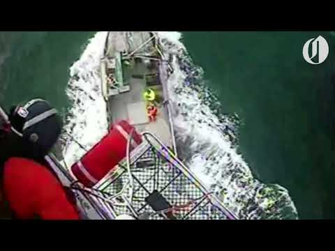 Coast Guard airlifts mariner from fishing vessel along Oregon coast (video)