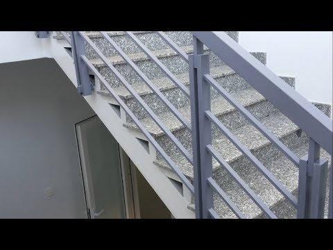 Kho Tư liệu Xây dựng - Cầu thang khung sắt mặt bậc đá granite (Phần 2/2)