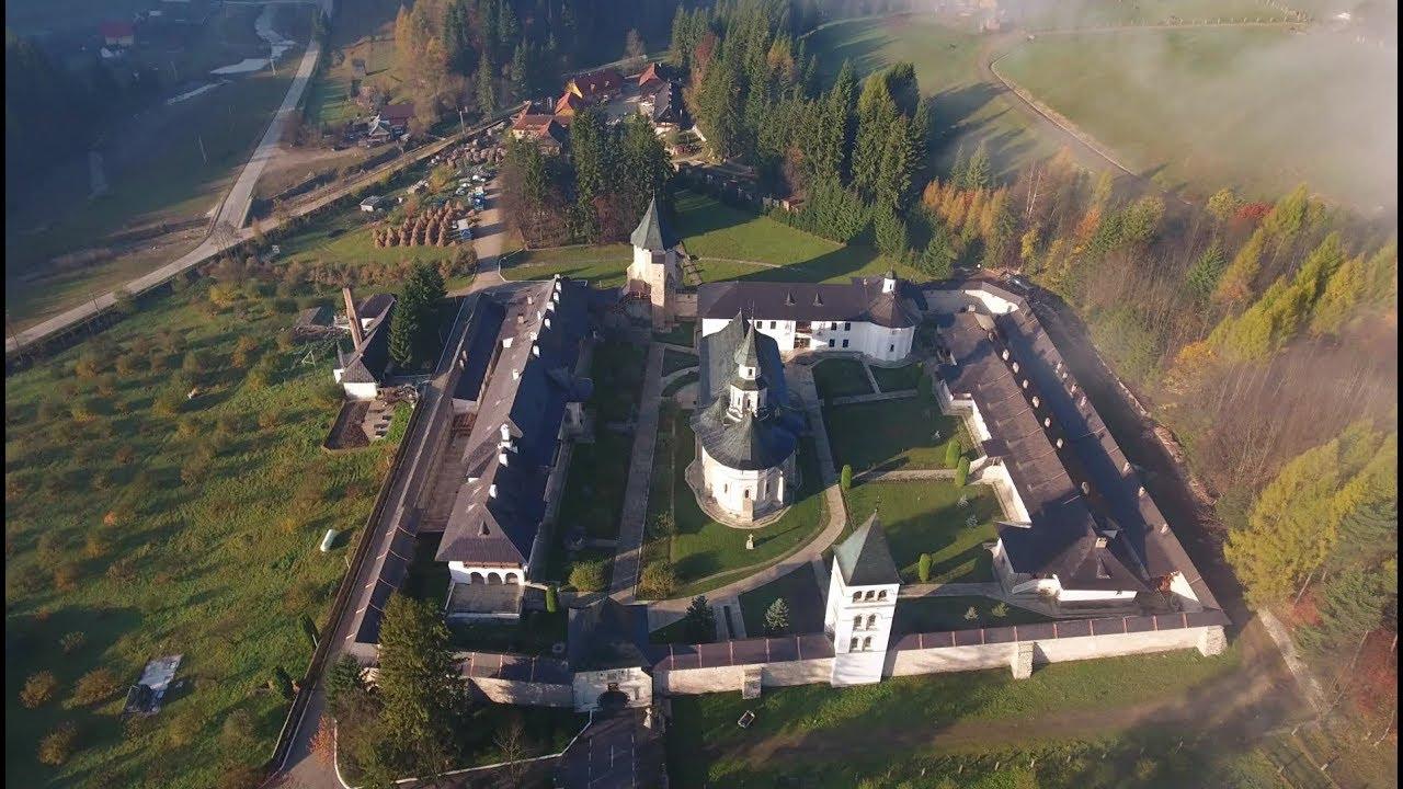 Mănăstirea Putna așa cum o vede cerul (imagini din dronă) - YouTube