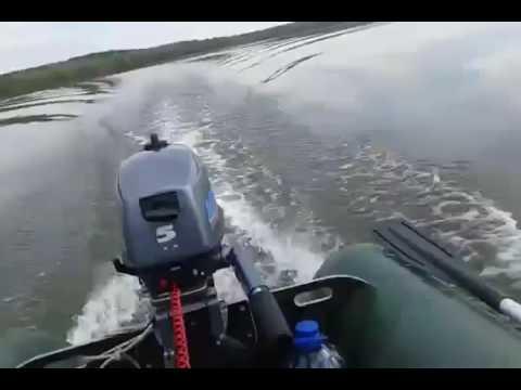 Мотор 5л. С 4-х такник против 2-х такника 4 года, 1 мес. Назад #14. Лодка флинк 320 плоскодонная под мотор до 5л. С. Максимум на ветерке 30км. Может с хайди так примерно. И на лодках ограничение по мощности мотора в основном из-за веса мотора или из-за мощности?. Типа транец повредится от.