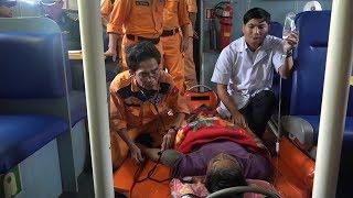 Tin Tức 24h: Cứu ngư dân gặp nạn trên vùng biển Hoàng Sa