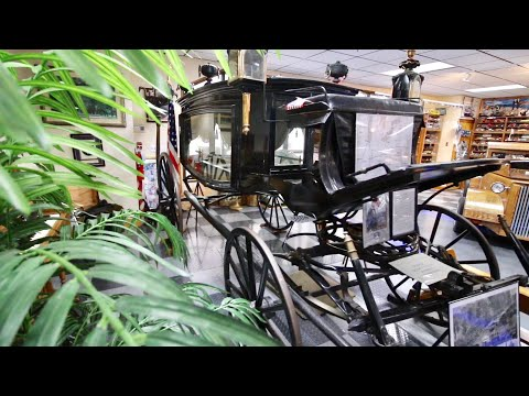 Abraham Lincoln Funeral Hearse - Tallahassee Automobile Museum