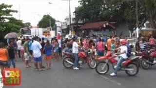 Moradores do bairro da União realizaram manifestação contra o Governo do Estado