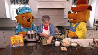 Cooking with The Berenstain Bears: Green Noodle Lasagna