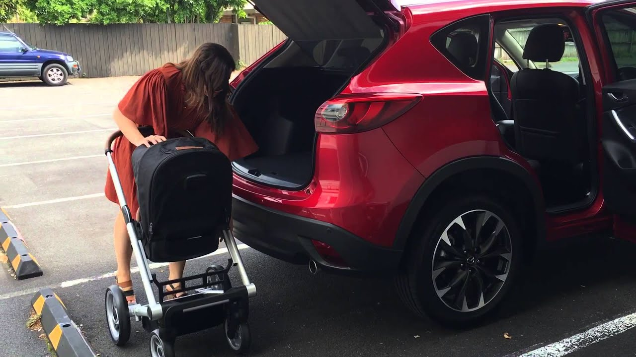 mutsy igo stroller in the boot of the mazda cx 5 youtube. Black Bedroom Furniture Sets. Home Design Ideas