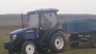 De 3 zile se fură cernoziom cu tractorul, ziua în amiaza mare - Curaj.TV
