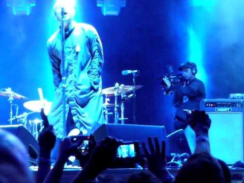 Oasis - Wonderwall - Live - Caracas