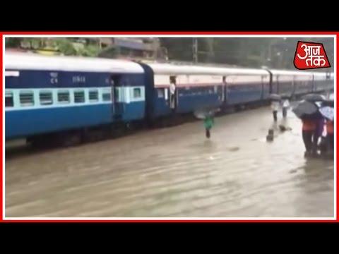 Heavy Rains Makes Mumbai's Lifeline Stop