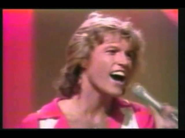 andy-gibb-shadow-dancing-live-fouchejose