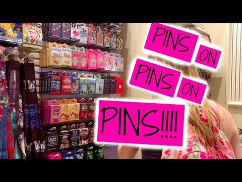 PIN TRADING DAY OF MAGIC | DISNEY VLOG