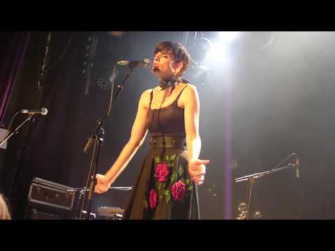 "Ambrosia Parsley ""Make me laugh"" live @ Divan du Monde Paris 31/10/2013"