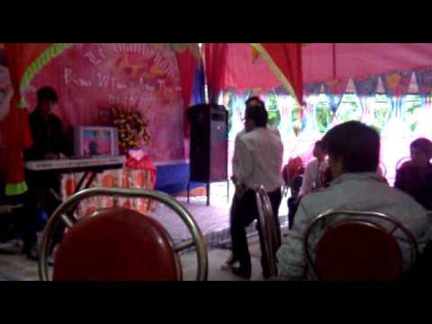 Trai làng nhảy đám cưới ( 12E Trực Ninh)