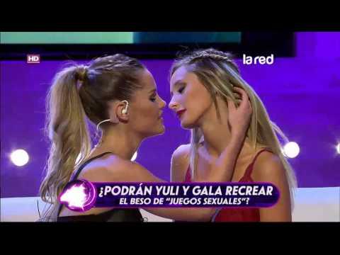 """Gala y Yuli Cagna recrearon beso lésbico de """"Juegos Sexuales"""" thumbnail"""