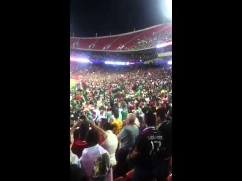 La ola Mexico vs paraguay Kansas