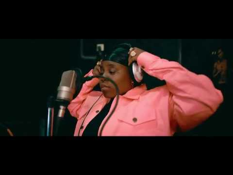 "Teni – ""Light Up Your Dream"""