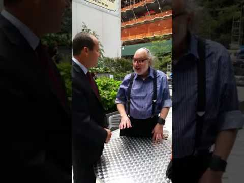 Jerusalem mayor 'bumps into' Jonathan Pollard in New York