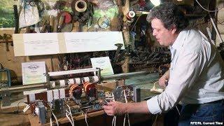 как питерский изобретатель собирает в гараже двигатель на водороде