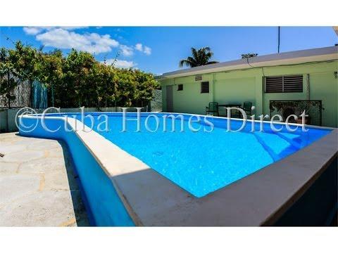 Venta de casa con piscina en santa fe la habana jsf194 for Apartamentos vacacionales con piscina