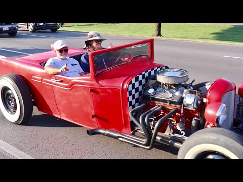 Fall Rod Run 2019 TAKES OVER All of Pigeon Forge - Shades Of The Past Classic Car & Truck Overload