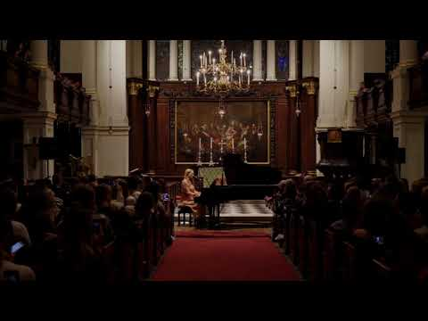 Freya Ridings - Lost Without You (Live at St. George's Church)