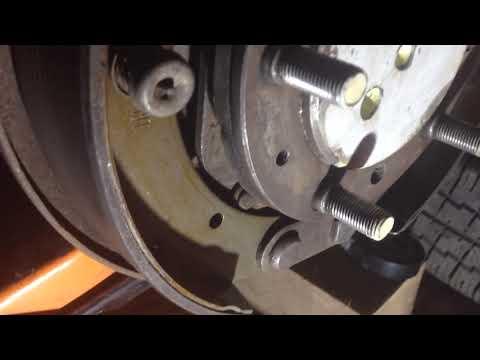 Газ 24 новые колодки, но не работает ручник?