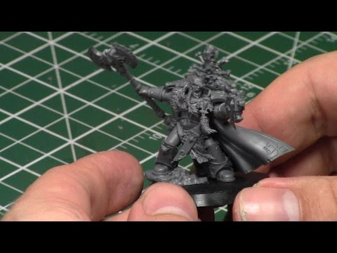 Assembling the New Stormclaw Space Wolf Lord: Krom Dragongaze