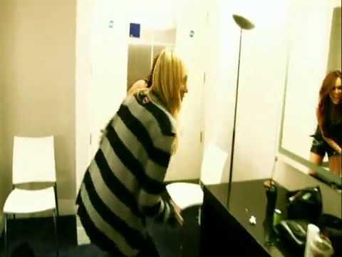 Miley Cyrus Backstage  ( Dressing Room)