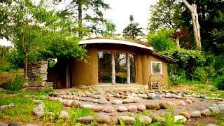 Tiny House Tour: Daniel Aragon's