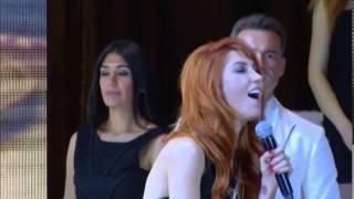 Hande Yener Yılın Türk Pop Müzik Kadın Sanatcısı Ödülü...