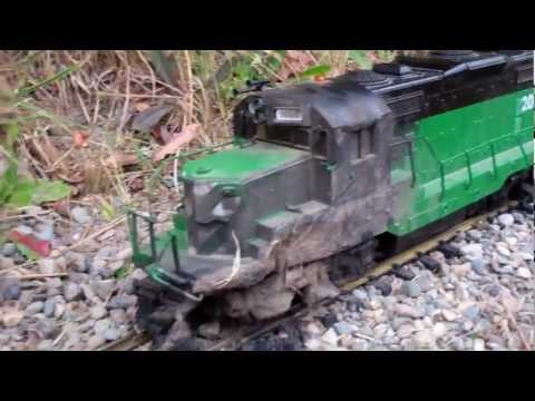 G Scale Trains ( BN GP20 Destroyed By A Electrical Fire…….)