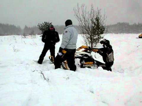 снегоход  ski-doo mxz 600 etec из канавы!