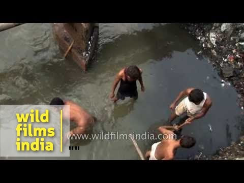 Dirtiest / worst job in the world! Sewage cleaning in India