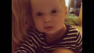малыш плачет под песню Анны Герман