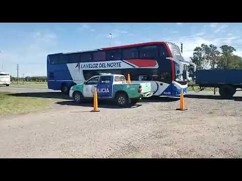 Micro Con Repatriados Fue Interceptado En General Villegas,  Dos Quedaron En La Ciudad