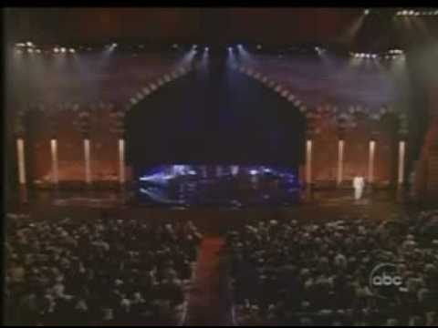 Stronger (Live at AMA Music Award 2001) - Britney Spears